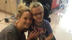 Jennifer Lawrence parou as filmagens de 'X-Men' para fazer uma visita