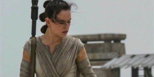 J.J. Abrams, diretor de 'Star Wars: O Despertar da Força', desaprova ausência de Rey dos brinquedos do
