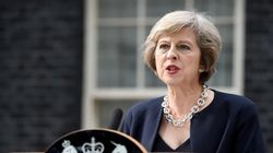 Theresa May toma posse e promete futuro 'novo e