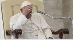 Papa pede perdão por escândalos sexuais que abalaram Vaticano e