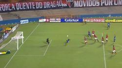 ASSISTA: Zebra, brasileiro supera Messi e ganha prêmio por gol mais