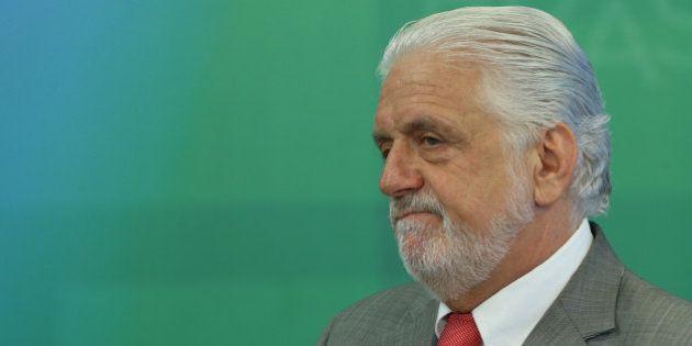 Acusado de tráfico de influência, ministro-chefe da Casa Civil se torna alvo da