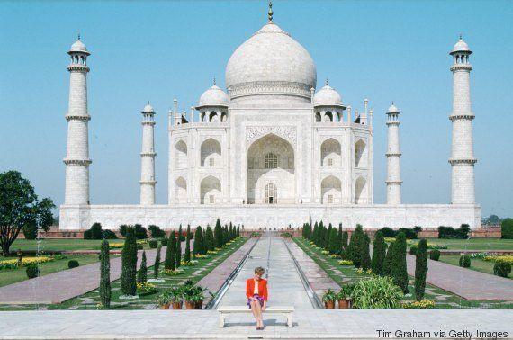 Príncipe William e Kate visitam Taj Mahal e posam para foto no mesmo lugar que Lady Di em