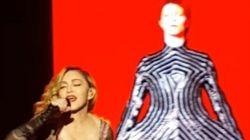 ASSISTA: Madonna homenageia David Bowie cantando clássico 'Rebel