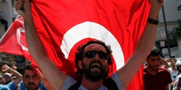 Sob controle? Premiê turco diz que tentativa de golpe militar