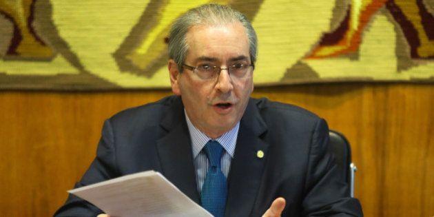 Cópias de documentos de Cunha e família comprovam contas na