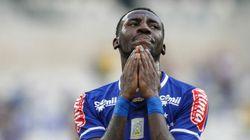 Torcedor faz ofensa racista e atleta do Cruzeiro se diz triste: 'ainda