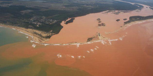 Após críticas de ONG, Marinha retira sigilo de estudo sobre lama no Rio