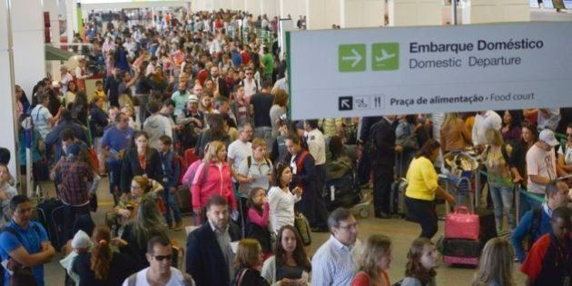 Aeroportos do País têm longas filas com novas regras a menos de 3 semanas da
