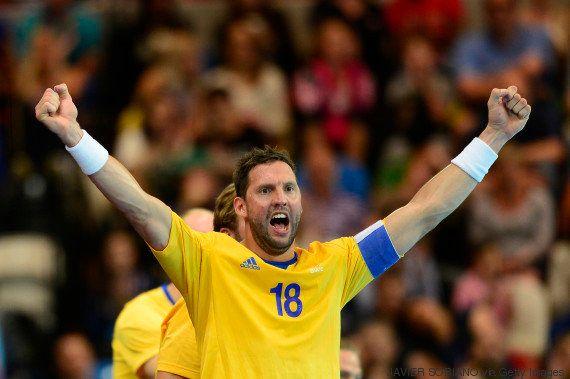 Capitão da Suécia é proibido de usar braçadeira com bandeira LGBT em Campeonato Europeu de
