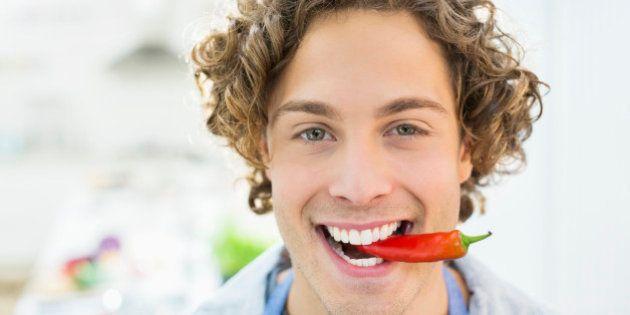 Pessoas que comem pimenta têm menos risco de morrer cedo, sugere