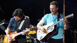 Este dueto de Coldplay e Marty McFly vai levar você direto 'De volta para o