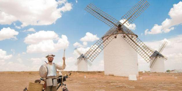 Cavalaria Moderna: Este espanhol recriou os passos de Dom Quixote com sua armadura e