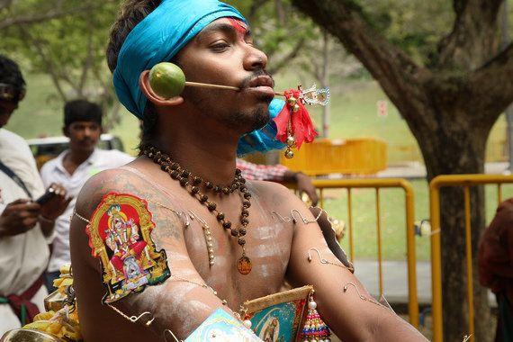 O chocante festival hindú de