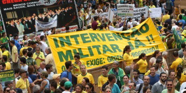 Presidente do Clube Militar prevê cenário de 'guerra civil' e intervenção militar se Lava Jato chegar...