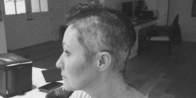 A força e a coragem de Shannen Doherty ao compartilhar sua luta contra o câncer de