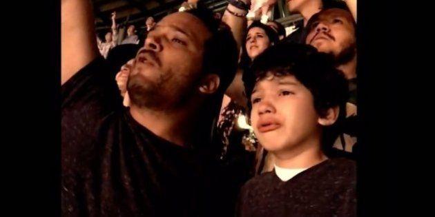 Pai filma filho autista se emocionando com sua música favorita em um show do Coldplay
