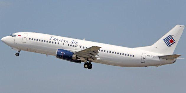 Avião com 54 pessoas a bordo desaparece na