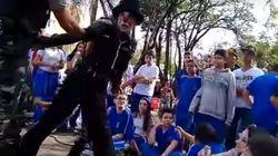 Palhaço é preso por PMs após fazer críticas ao governo do