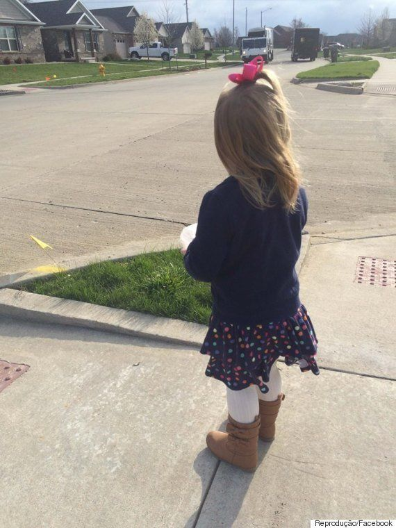 Esta garotinha não só sabe o nome do lixeiro de sua rua: Ela guardou um cupcake de aniversário pra