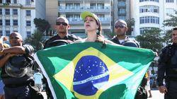 Governo vê protestos contra Dilma como 'normalidade