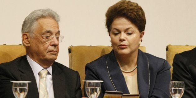 Ex-presidente Fernando Henrique Cardoso sugere que Dilma 'renuncie ou admita que