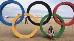 Já no clima: Arcos Olímpicos encantam turistas na Cidade