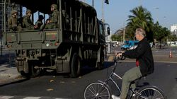 Blindados e 47 mil policiais nas ruas do Rio: A Olimpíada está