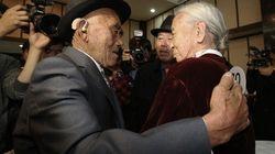 Após 60 anos, casal se reencontra na Coreia do Norte