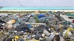Em 2050, os oceanos terão mais plástico que