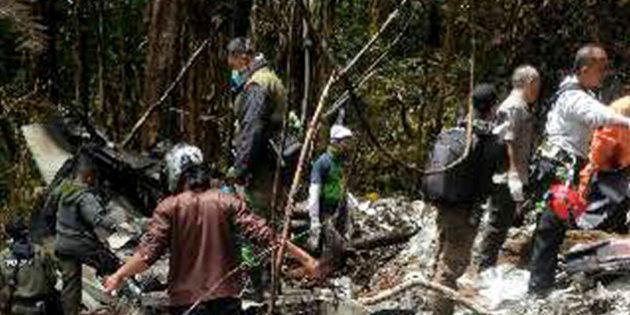 Equipes de resgate não encontram sobreviventes em destroços de avião indonésio