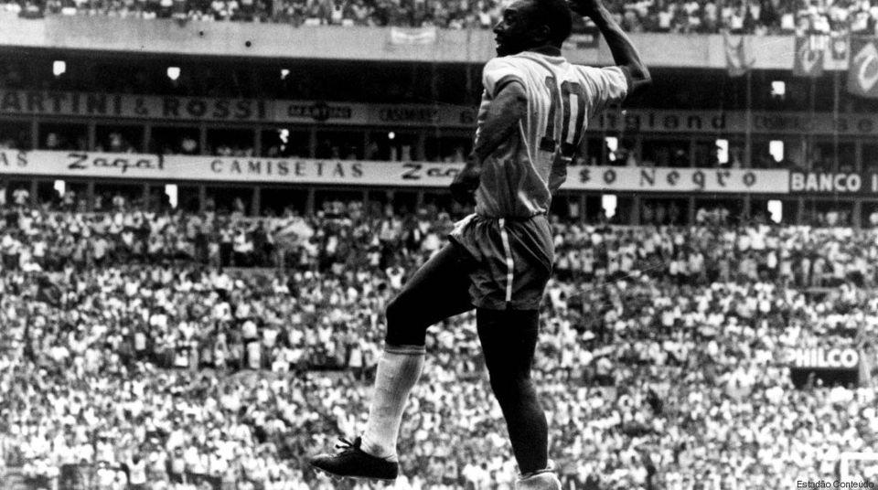 Parabéns, Pelé! 10 fotos em preto e branco F*DAS que ilustram a majestade do rei do