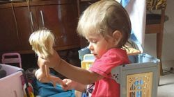 'Educamos sem sexismo', diz atriz que postou foto de filho brincando com