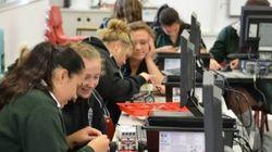 Este projeto usa robôs pra atrair meninas para carreiras de ciência e