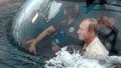 Putin vai à Crimeia, passeia de submarino e irrita autoridades da