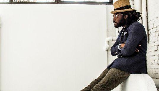 Série fotográfica derruba os estereótipos da moda para homens