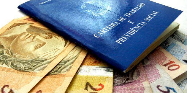 Em 7 meses, Brasil fecha 494.386 vagas com carteira assinada, aponta