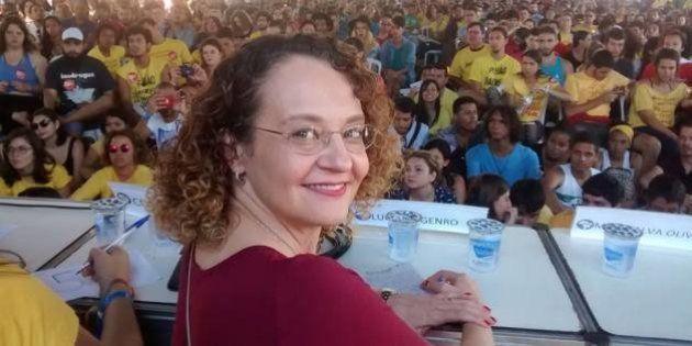 Luciana Genro diz que País tem de 'refundar suas instituições', hoje nas mãos do 'gangster' Cunha e do...