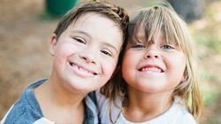ASSISTA: Garotinha faz linda decoração para irmão com Síndrome de