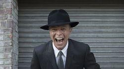ASSISTA: Coral homenageia David Bowie em galeria de arte e o resultado é