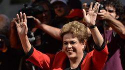 Em discurso, Dilma diz que vai resistir ao impeachment e anuncia reajuste de 9% no Bolsa