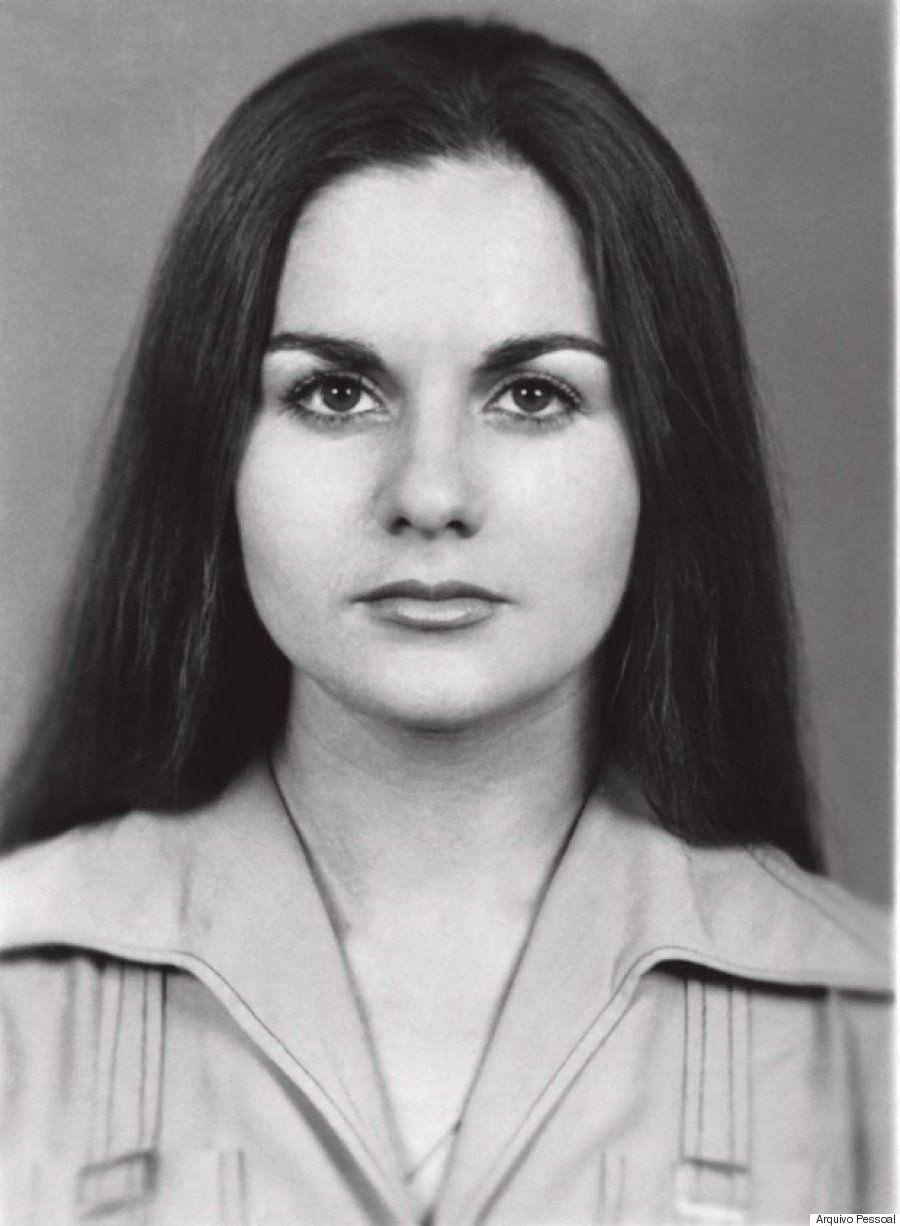 Maria da Penha Fernandes em foto tirada para passaporte em viagem para a