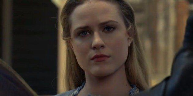 Executivo da HBO se enrola todo ao ser questionado sobre estupros em 'GoT' e
