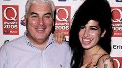 ONG do pai de Amy abrirá centro para tratar mulheres com dependência
