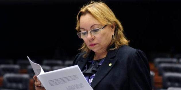 Presidente da Comissão da Mulher votou a favor de PL que dificulta aborto após
