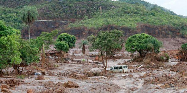Samarco emite alerta por deslocamento de terra em barragem de