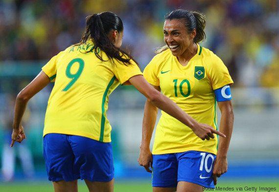 Um AMOR SÓ: Meninas da Seleção começam com o pé direito! 3 x 0 contra