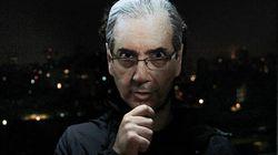 Site cria máscaras de políticos brasileiros para o Dia das