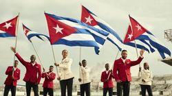 Sinal dos tempos... Cubanos desfilam com grife de luxo na Rio