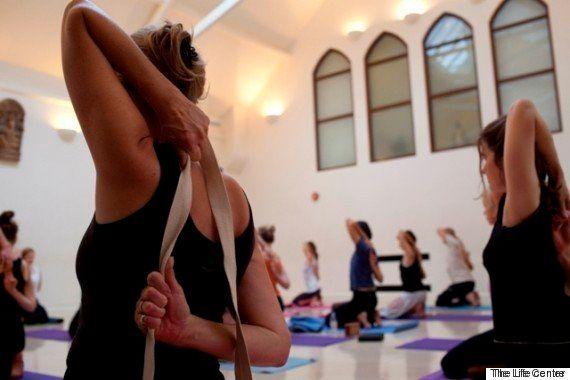Veja como a ioga, a meditação melhoram o bem-estar das vítimas do
